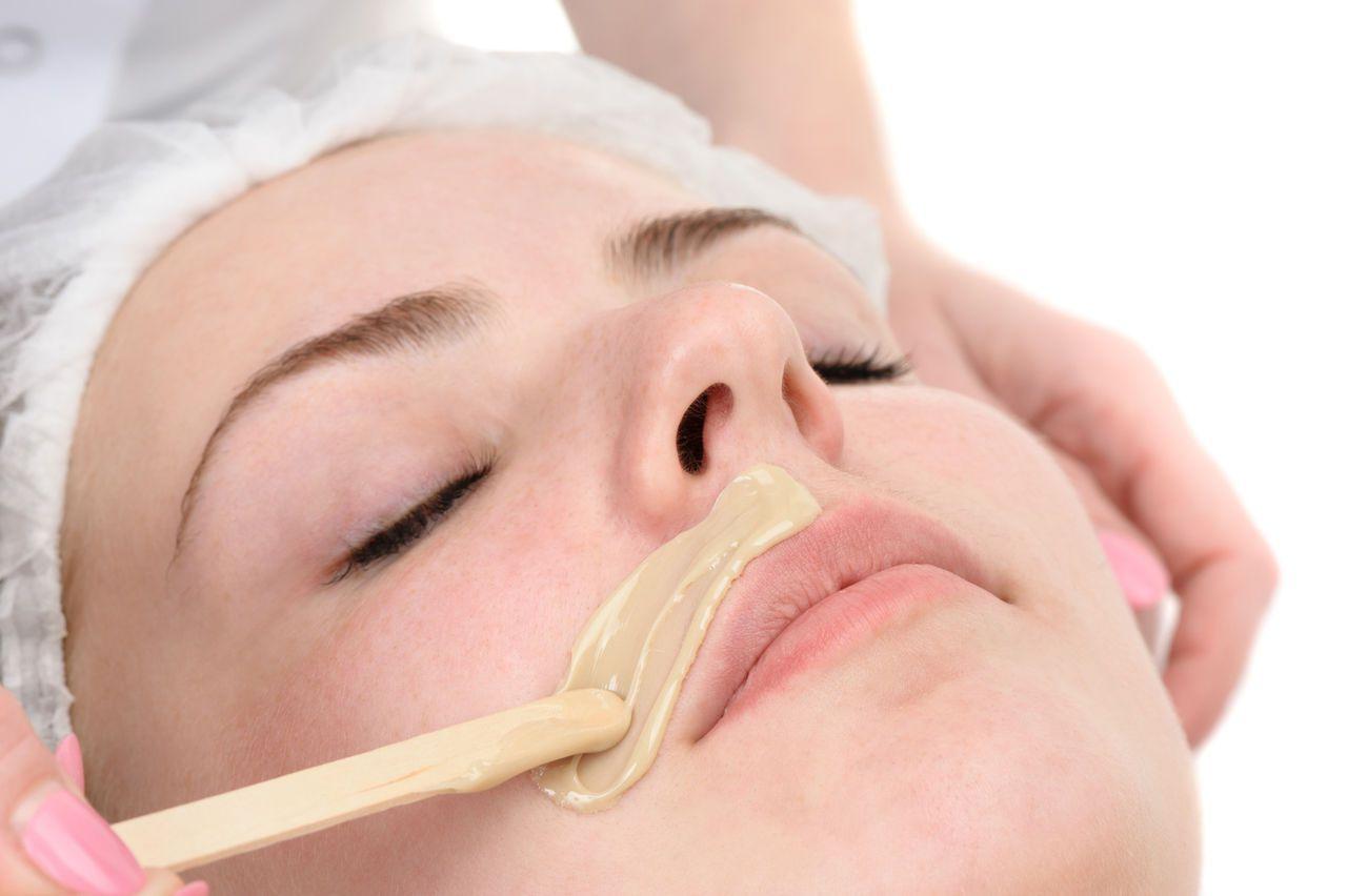 Как удалить усики над верхней губой с помощью процедуры шугаринга