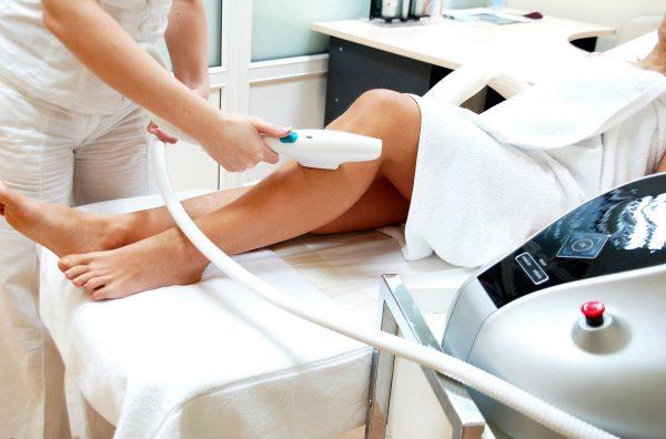 Процедура удаления волос по методике Элос-эпиляции