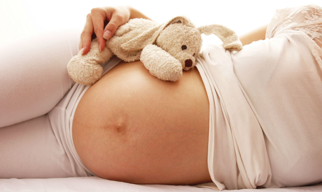 Можно ли делать шугаринг в период беременности