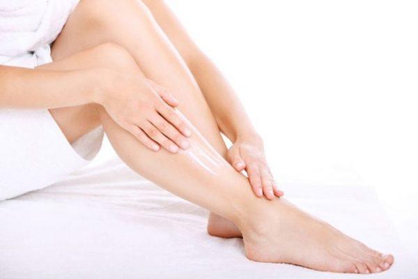 Уход за кожей ног после шугаринга