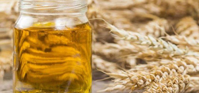Банка с маслом зародышей пшеницы