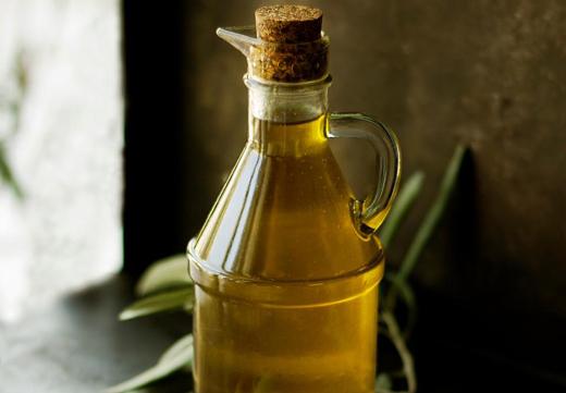 Бутылка с касторовым маслом