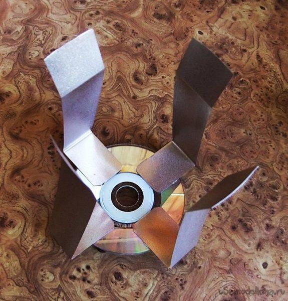 Опорная конструкция для испарителя из полос металла