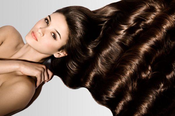 Шикарные волосы у девушки