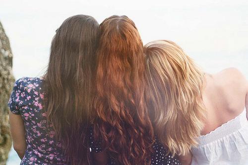 три оттенка волос: тёмный, светлый и рыжий