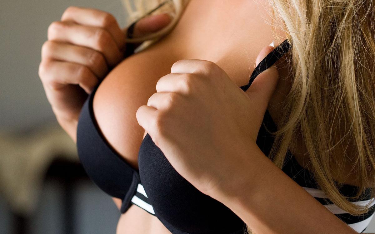 Льняное масло для увеличения груди: альтернатива пластической хирургии