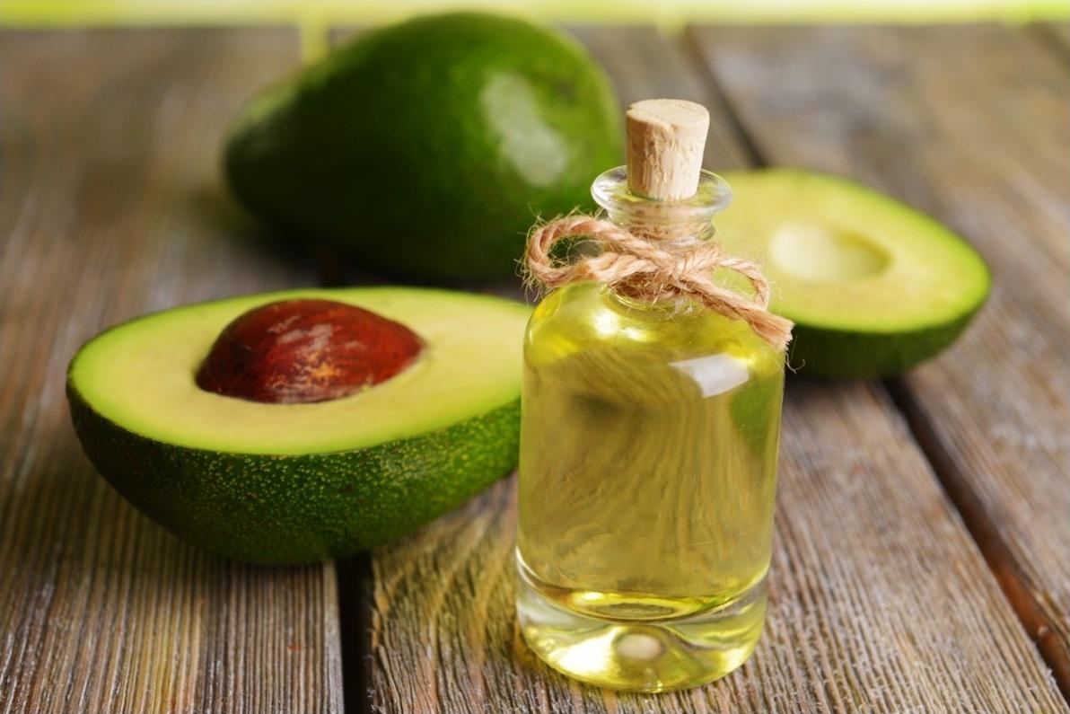Масло авокадо: полезные свойства и применение в медицине, кулинарии и косметологии