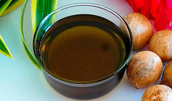 Масло таману в чашке