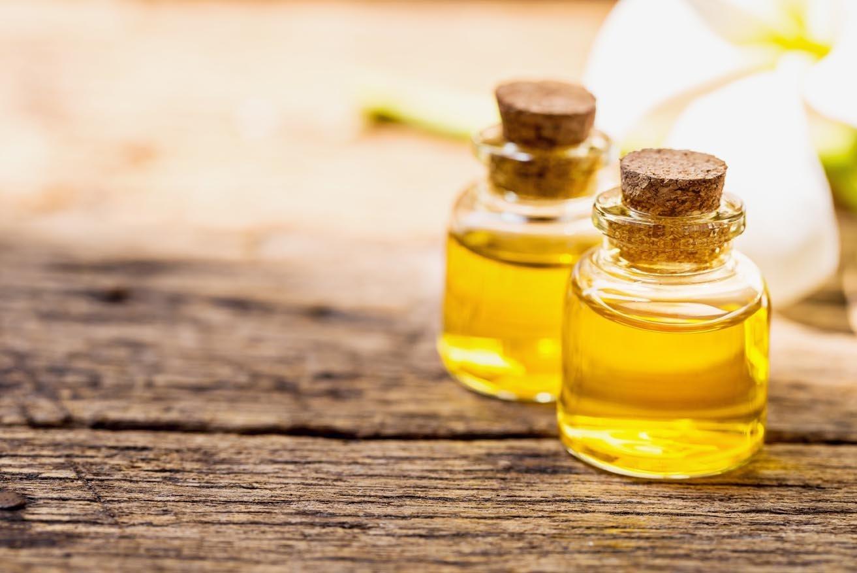 Масло жожоба для лица: свойства и рецепты применения