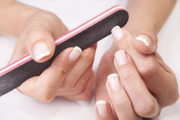 Опиливание ногтей