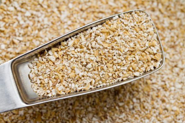 Пшеничные отруби на лопатке