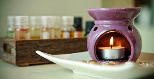 Аромалампа и свеча