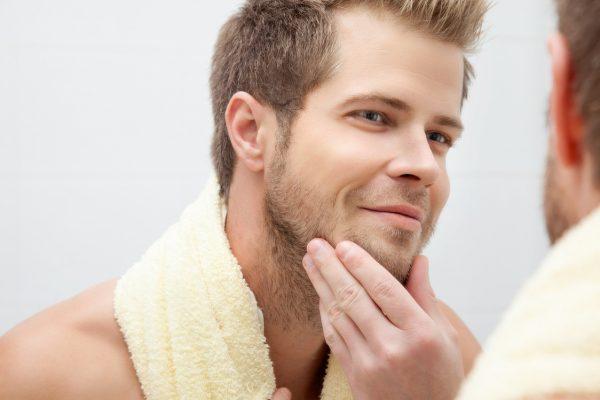 Массаж бороды с маслом