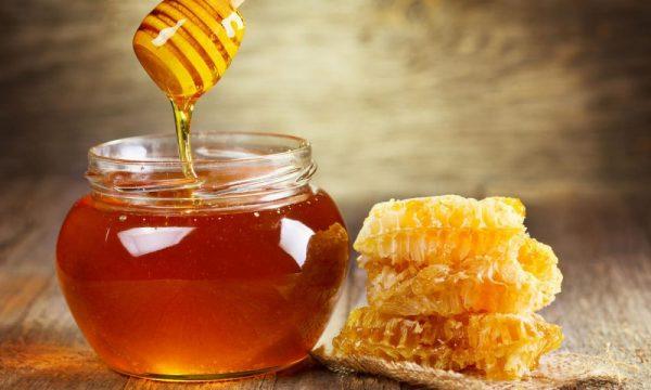 Натуральный мёд в прозрачной банке