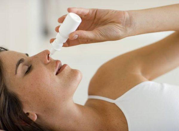 Процедура закапывания в нос