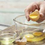 Яйца в прозрачных ёмкостях