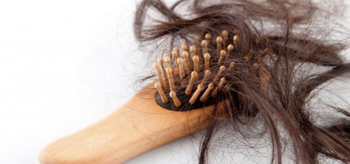 Волосы на расчёске