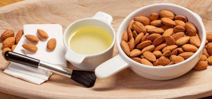 Абрикосовые косточки и абрикосовое масло