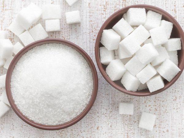 Сахар на столе