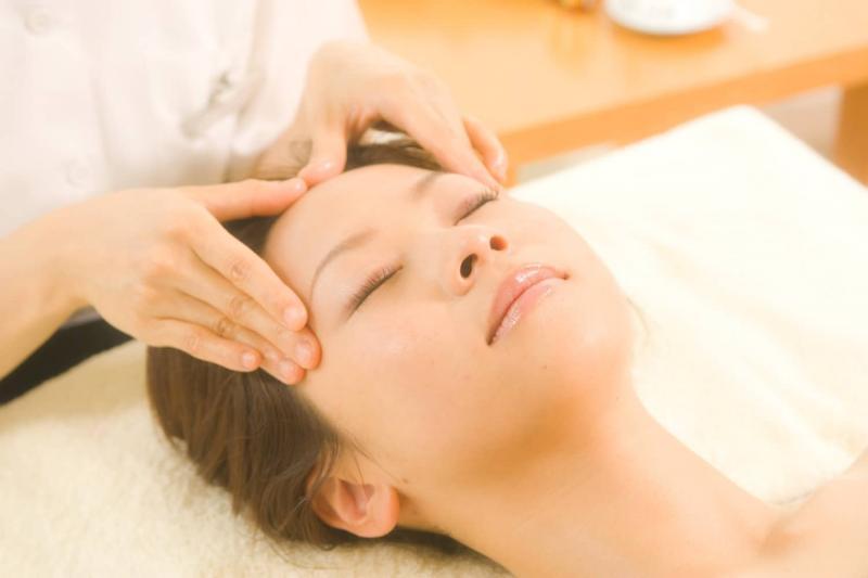 Точечный массаж Шиацу: правила и особенности проведения дома