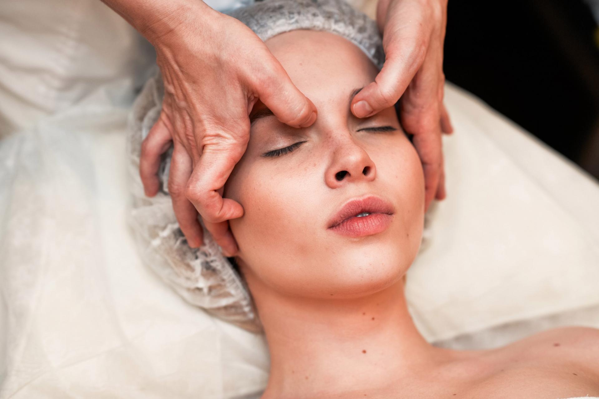 Мы подобрали для вас 20 центров и 14 косметологов с ценами от до 1 руб.