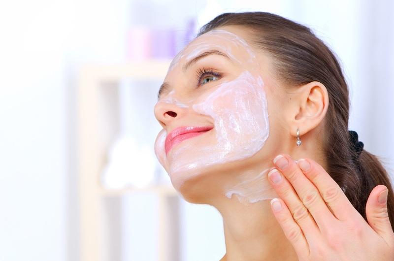 Эффективные маски для увядающей кожи: как выбрать в магазине или сделать своими руками
