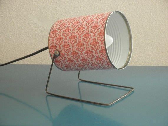 Лампа с абажуром из жестяной банки