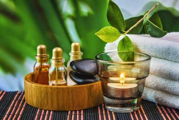 Масло эвкалипта и предметы для ароматерапии