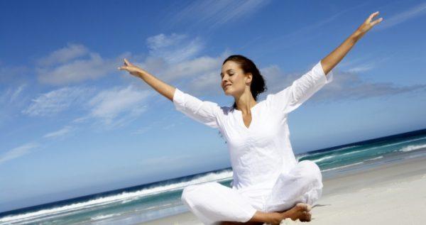 Медитирующая женщина