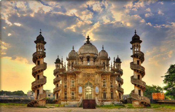 Древний индийский храм