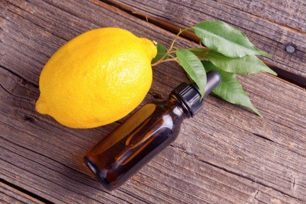 Лимонный эфир в тёмном пузырьке
