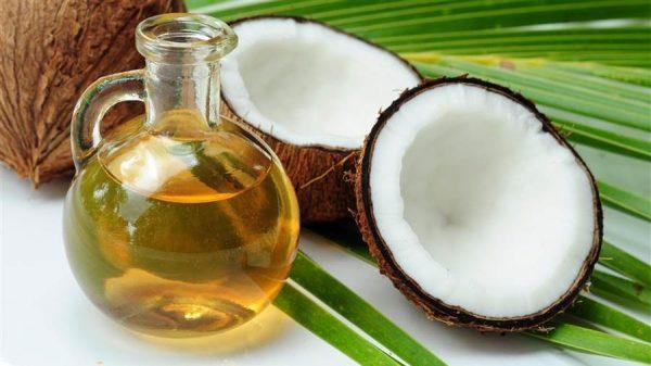 Масло и плод кокоса