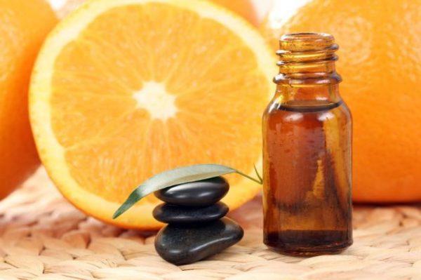 тёмный стеклянный флакон для апельсинового масла