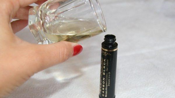 Добавление масла в тушь для ресниц