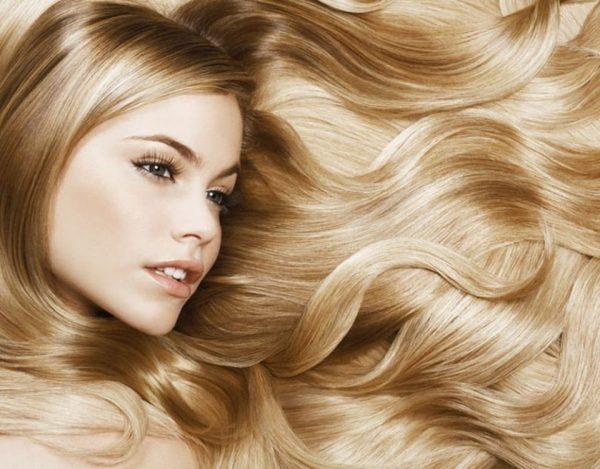 Увлажнённые ухоженные волосы