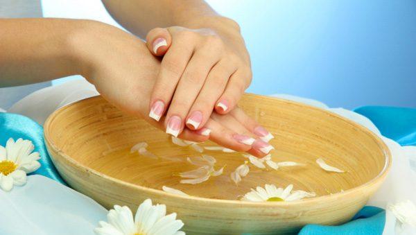 Ванночка для ногтей и руки, ромашки