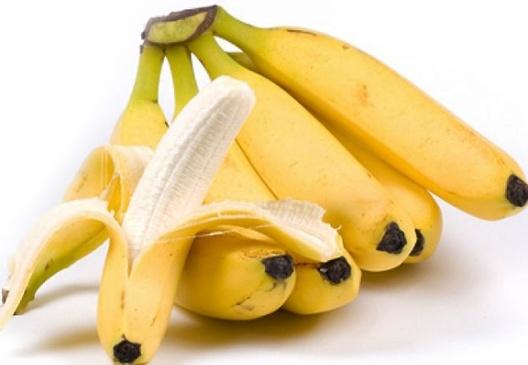 Гроздь красивых бананов